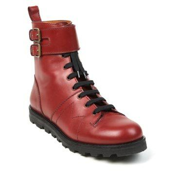 红色牛皮短靴