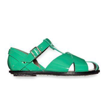 翠绿色亮面平底凉鞋