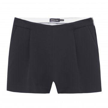 黑色西装短裤