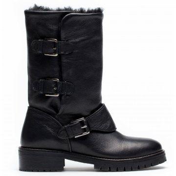 黑色翻毛机车靴