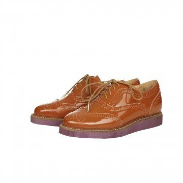 棕色个性德比鞋