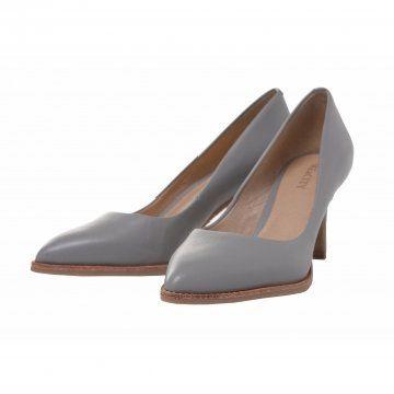 灰色时尚牛皮单鞋