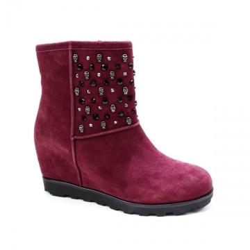 Millie's枣红猄皮骷髅铆钉短靴