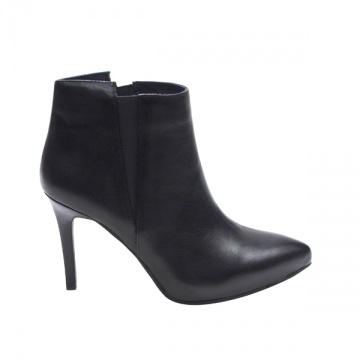 Millie's黑色细跟尖头踝靴