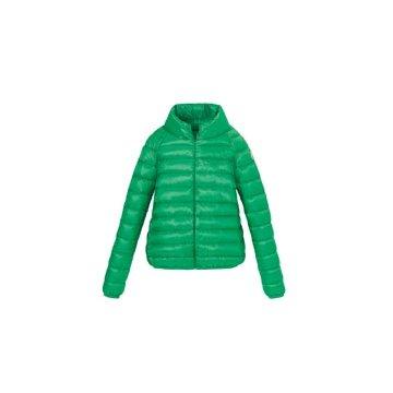 草绿色尼龙外套