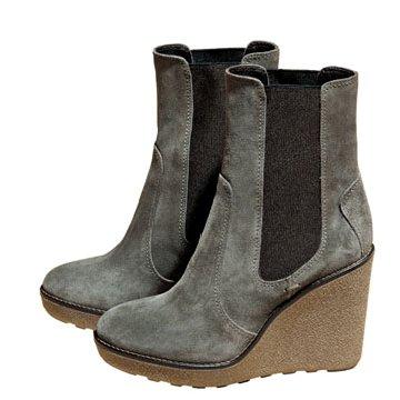 灰色麂皮踝靴