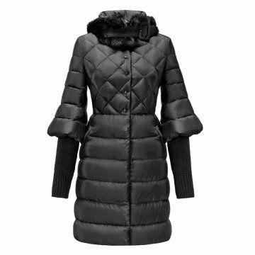 黑色针织袖口羽绒大衣