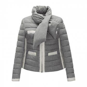 灰白拼色羽绒外套