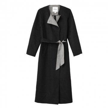 黑色系腰带长款大衣