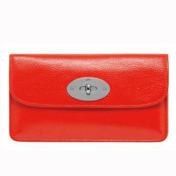 火红色长方形皮包