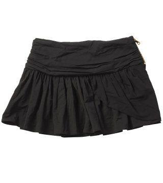 黑色褶皱短裙
