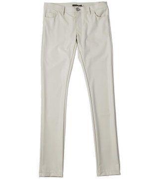 白色收腿裤