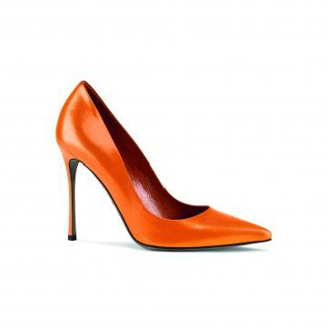 橘色尖头高跟鞋