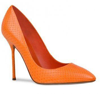 橘色蛇皮高跟鞋
