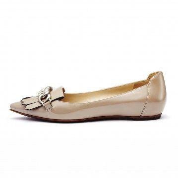 裸色金属链平底鞋