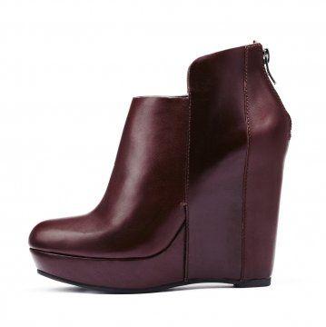酒红色防水台坡跟及踝靴