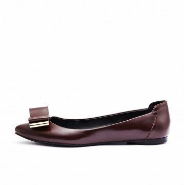 酒红色金属蝴蝶结装饰平底鞋