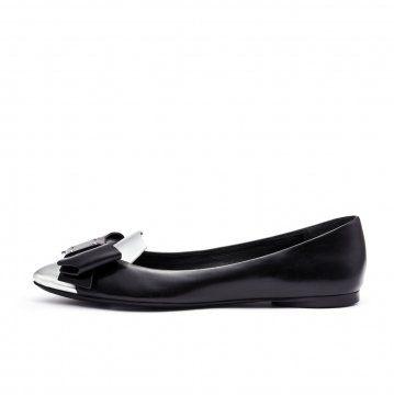 黑色金属包头蝴蝶结平底鞋