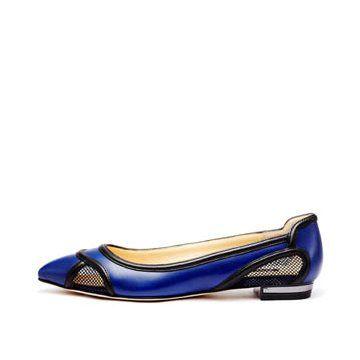 蓝色皮革平底鞋