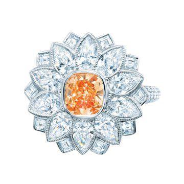 艳彩橘色钻石戒指
