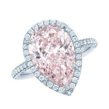 梨形粉钻戒指