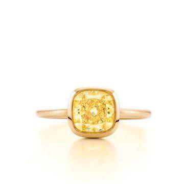 18k金黄钻戒指