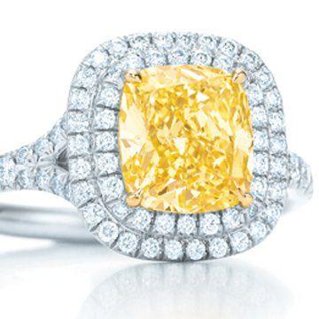 方形枕形复古改良明亮式艳彩黄钻戒指