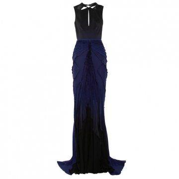 蓝色丝绸连衣裙