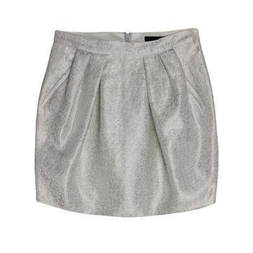 银色褶皱半裙