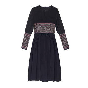 黑色丝质连衣裙