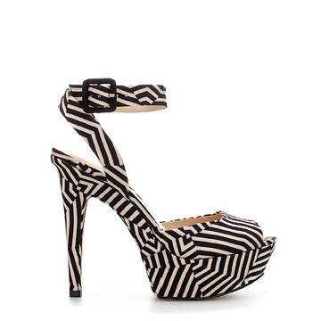 黑白条纹高跟鞋