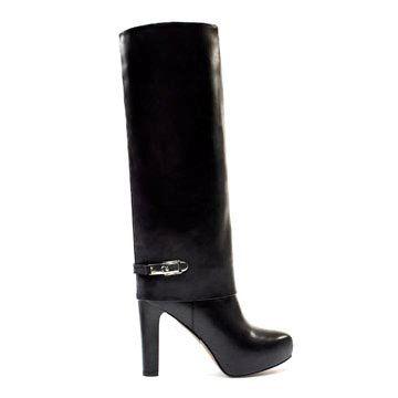 黑色皮革长靴