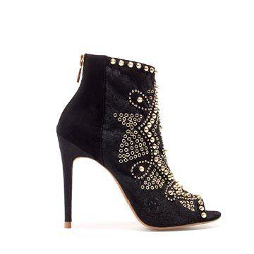 黑色蕾丝短靴