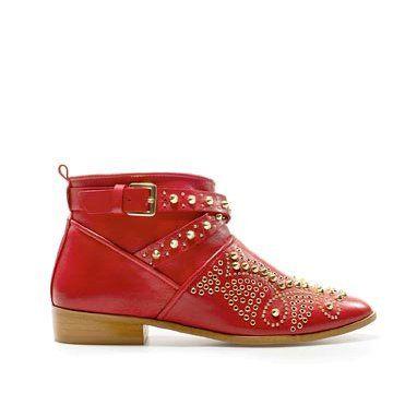 红色皮革踝靴