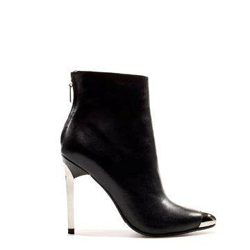 黑色皮革踝靴