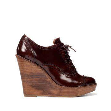 深红色牛皮坡跟鞋