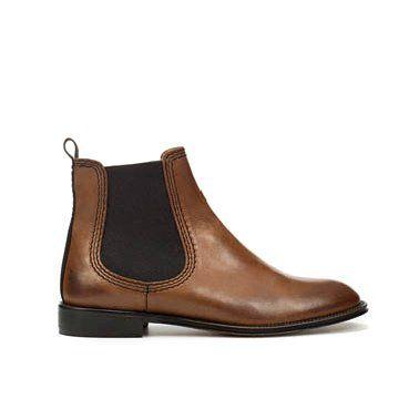 棕色牛皮短靴