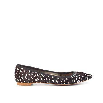 黑白斑点平底鞋