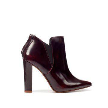 棕红色牛皮短靴